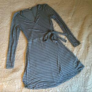 Blue & Black Striped Express Wrap Dress XS